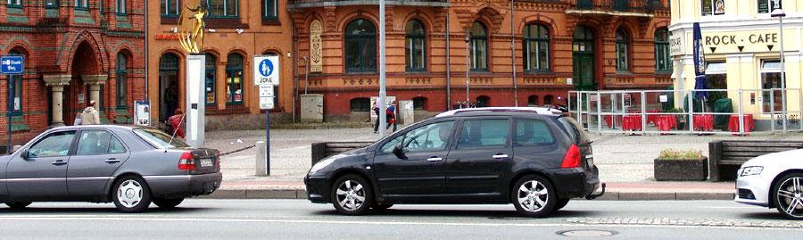 Verkehr in der Stadt (Foto: Sternal Media)